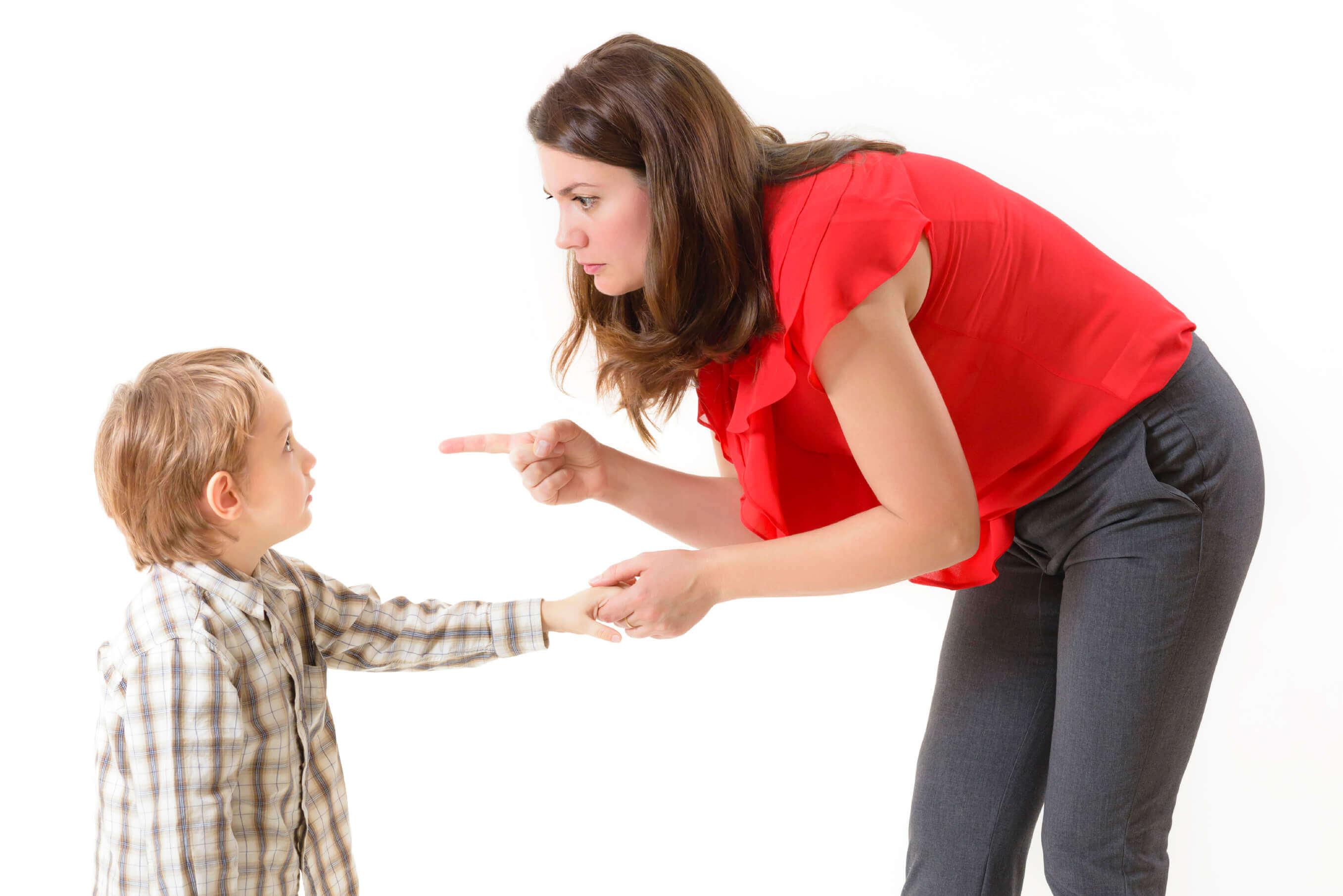 Как мама бьёт детей фото