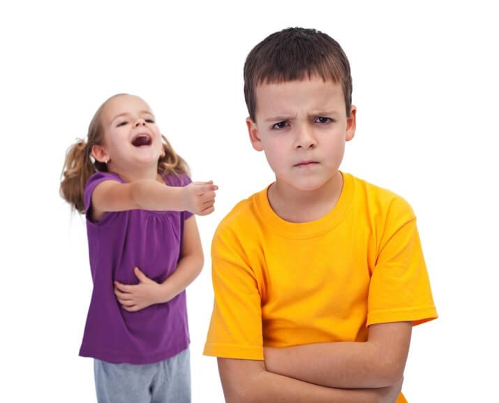 дети обзываются